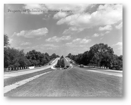 Description: http://www.hsd.org/HistoricReprod/Photographs/Streets_roads/PH_SR_0002_DuPont%20Highway_1924.gif